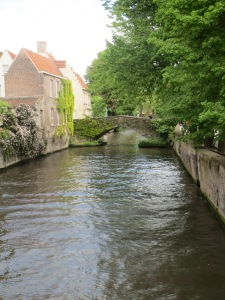 Toukokuuni alkoi Bruggesta.