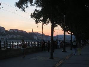 Kesäkuun viimeisenä, lämpimänä iltana Budapestissa