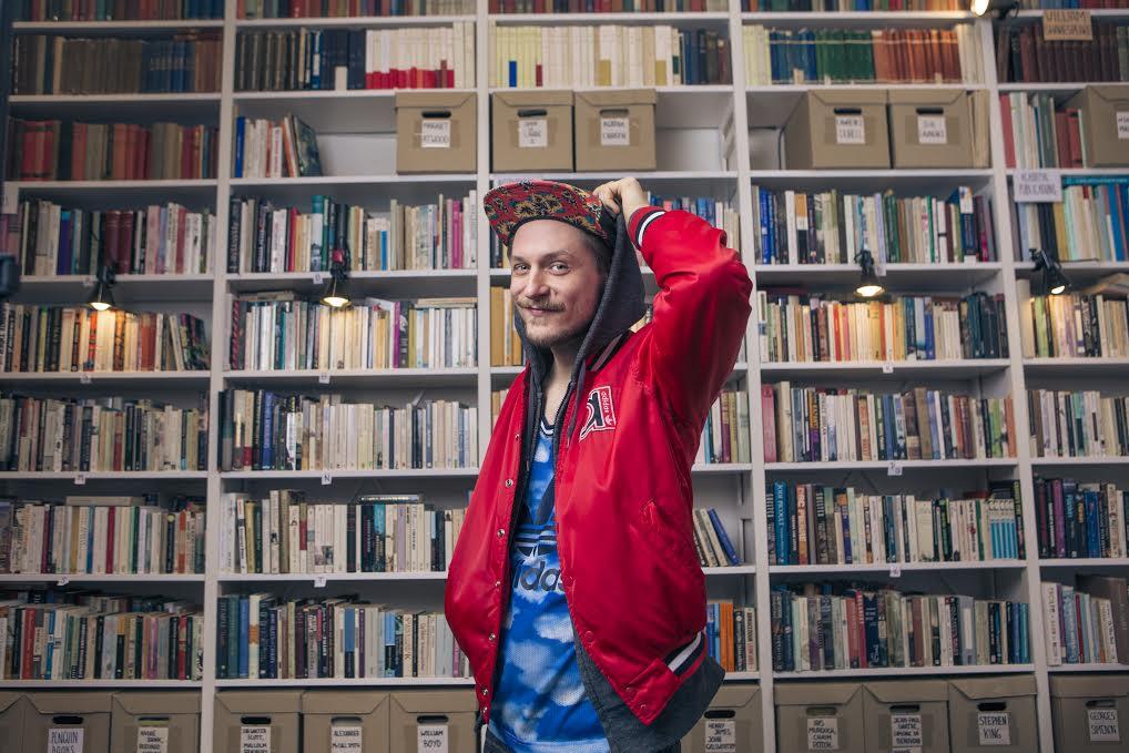 #pojatkinlukee Mikko Toiviainen Photo: Miikka Pirinen